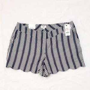 NWT Crown & Ivy Shorts